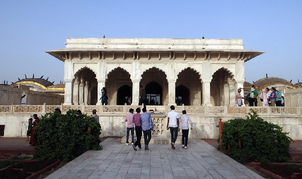 Agra fort quick guide for Diwan i khas agra fort