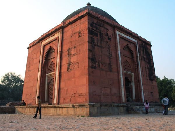 Lal Gumbad
