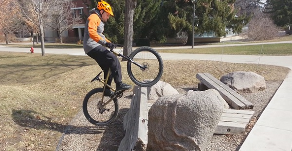 How To Play Trial Biking