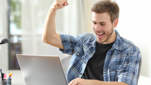 How to Become a Freelance Copywriter. Work from Home Image