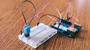 Learn Arduino using simple drag and drop Blocks Image